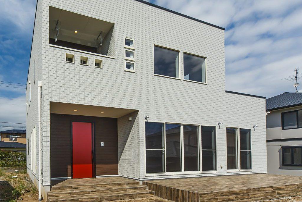 豪華さと煌びやかさを兼ね備え、素材、デザイン、心地よさすべてにこだわった上質の建物の写真2