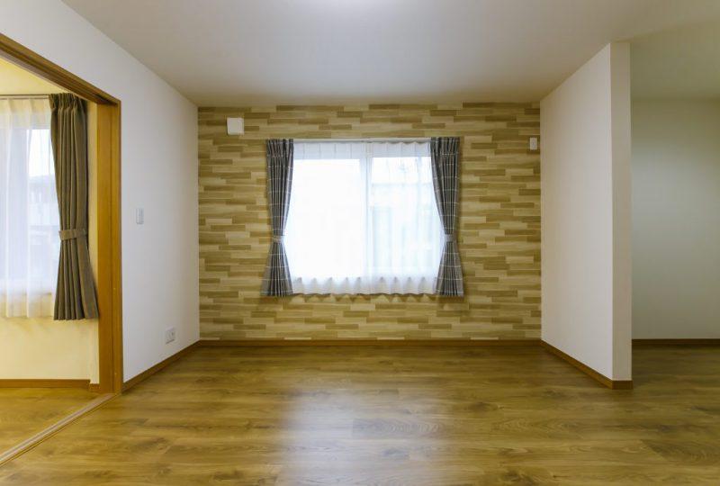 凛と佇む洗練されたデザインの「美しい小さな家」は、コンパクトながら自分サイズの心地良さと上質さを備えた住まいの写真3