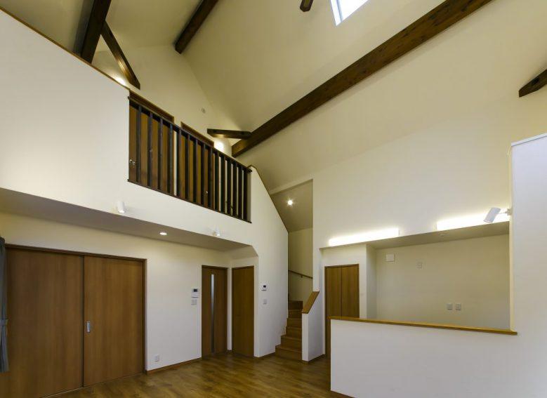 凛と佇む洗練されたデザインの「美しい小さな家」は、コンパクトながら自分サイズの心地良さと上質さを備えた住まいの写真4