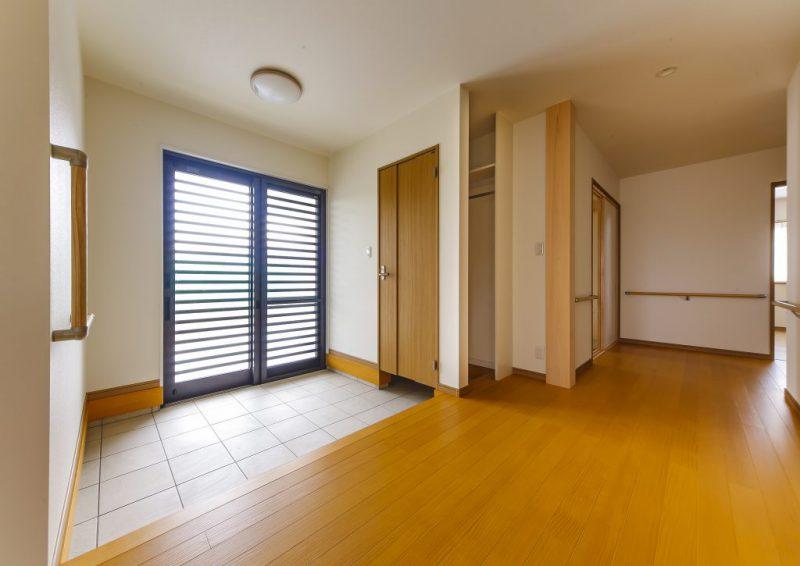 和風テイストで収納豊富な間取りの落着いた雰囲気の二世帯住宅の写真3