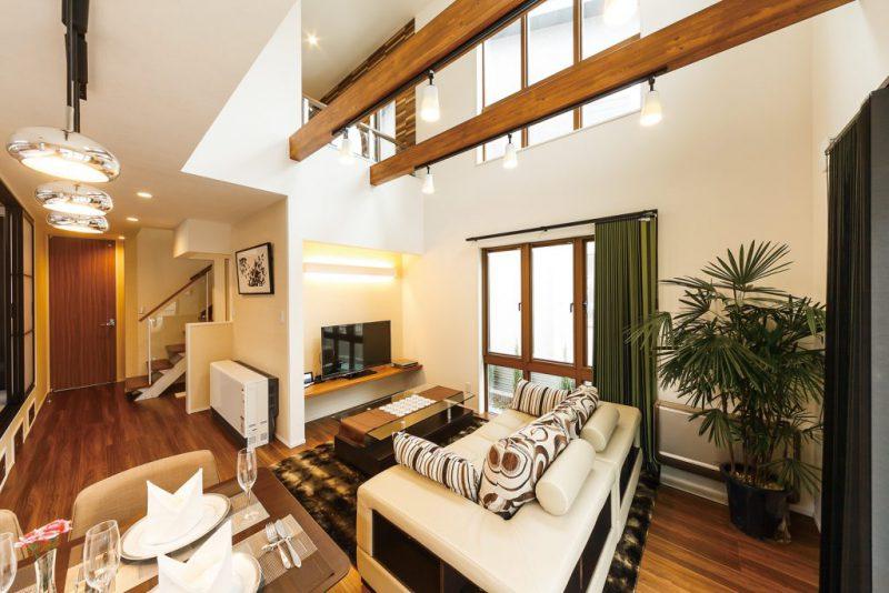 木と石のナチュラルモダンの家 ホテルのような高級感ある暮らしの写真3