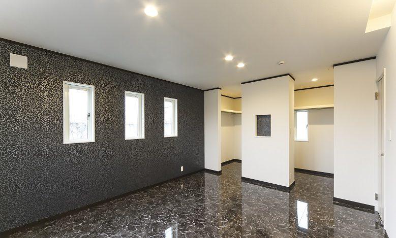ホワイト&ブラックのモノトーンハウス メリハリのついたモダン住宅の写真4